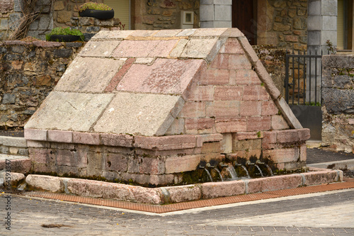 Fotografie, Obraz  fuente de marmol en lois, picos de europa , leon