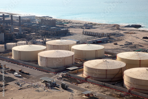 Fényképezés  Storage tanks at the port in Dubai, United Arab Emirates