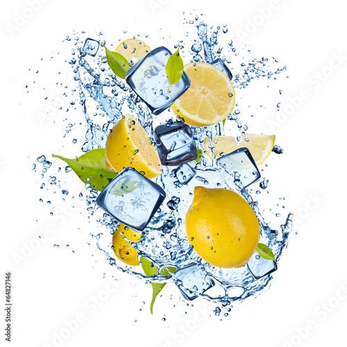 lodowe-cytryny-na-bialym-tle