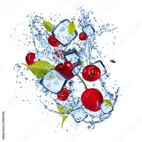 Ingelijste posters Opspattend water Ice cherries on white background