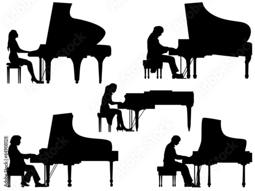 Foto Silhouettes pianist at the piano.