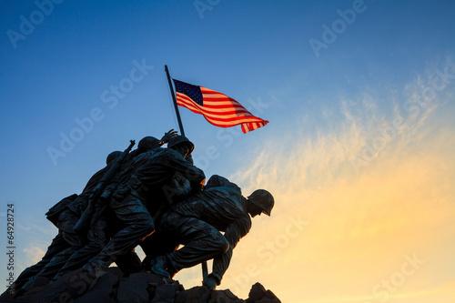 Photo  Iwo Jima Memorial Washington DC USA at sunrise
