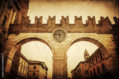 nostalgisch texturiertes Bild der Portoni della Bra in Verona