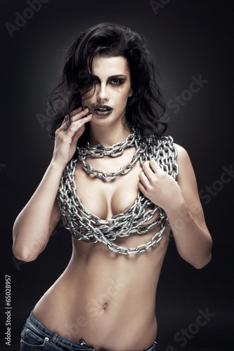 Valokuva  naked girl with chain