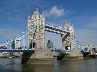 Fototapeta na wymiar Tower Bridge