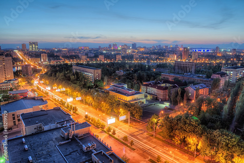 Night urban landscape © Artem Merzlenko