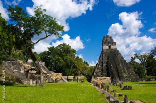 Foto op Aluminium Rudnes Tikal Ruins in Guatemala
