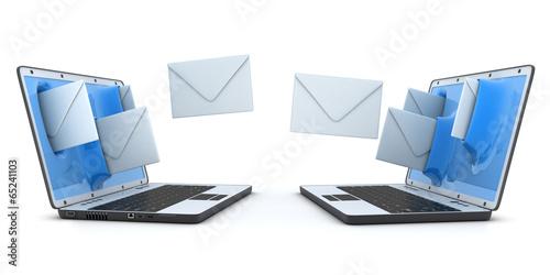 Fotografía  Laptop and fly envelopes