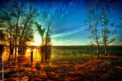Marron chocolat Colorful Sunrise over Idyllic Lake