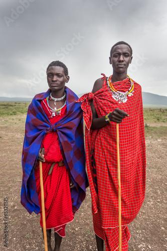 fototapeta na lodówkę Portret młodych Masajów