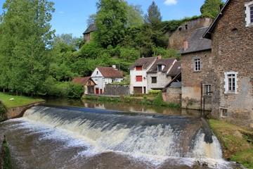 Fototapeta na wymiar Cascade du moulin.