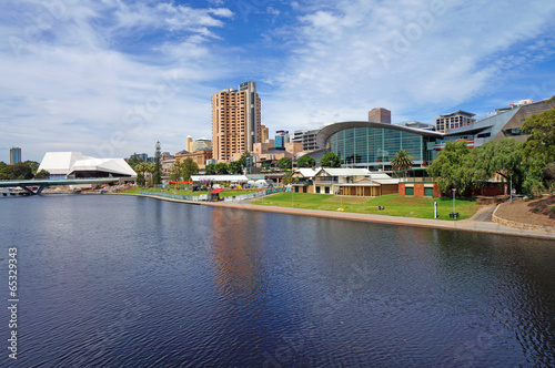 Photo Torrens Lake and Adelaide Scenic
