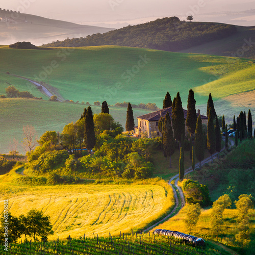 mata magnetyczna Toscana, mattino w Val d'Orcia