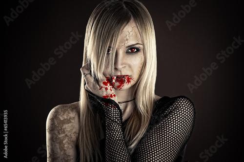 Photo  beautiful sexy vampire woman