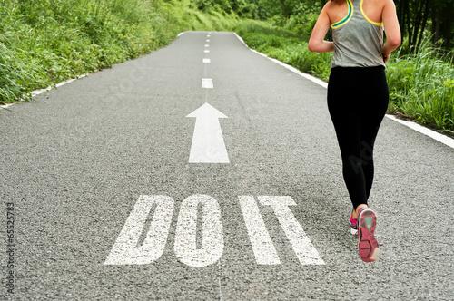 Fototapeta running girl obraz