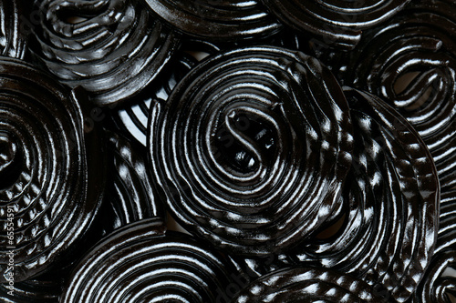 Poster Confiserie Licorice candies isolated on white background