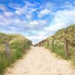 Strandzugang zum Meer durch die Dünen