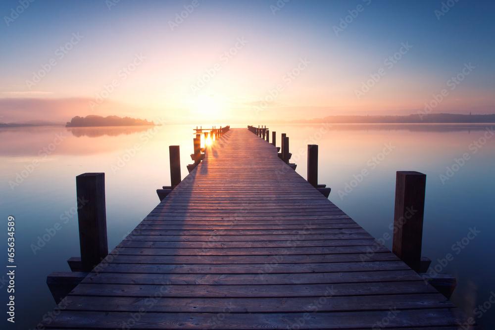 Fototapety, obrazy: alter Holzsteg am Ufer