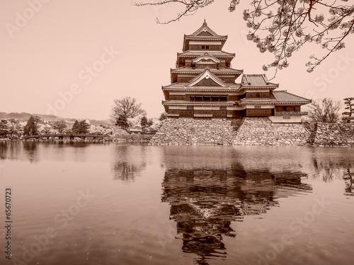 Foto op Plexiglas Japan Matsumoto castle in sepia, Japan