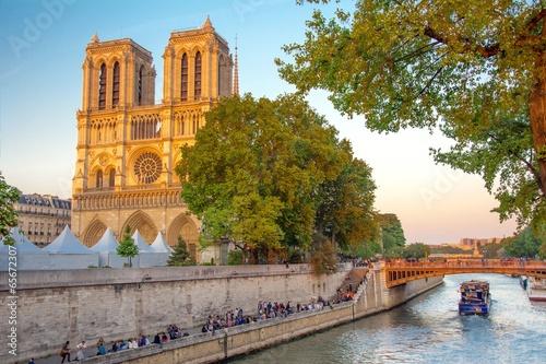 Fotografia  Notre-Dame de Paris en France