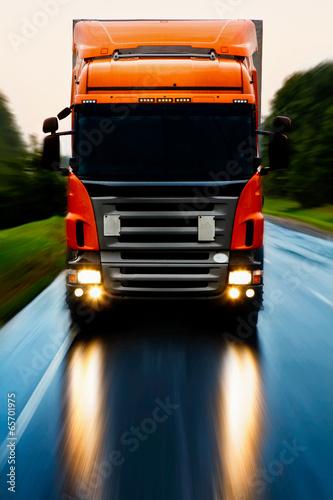 plakat Ciężarówka na drodze