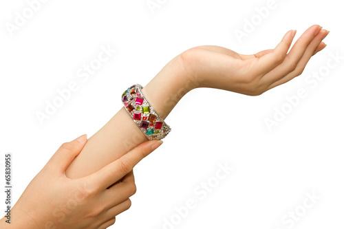 Fotografía  jewelry bracelets on woman hand