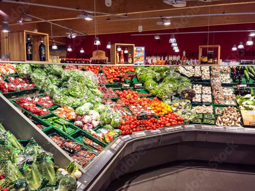 Fotografía  Gemüse im Supermarkt