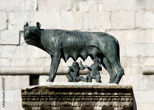 Fotografia, Obraz  Capitoline Wolf suckling the twin founders of ROME