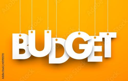 Fotografía  Budget. Word on strings
