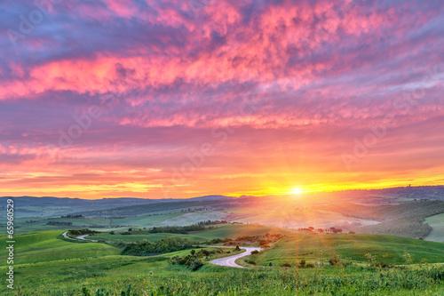 Photo  Tuscany sunrise