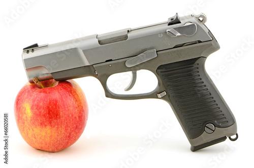 Fotografia, Obraz  Gun Apple