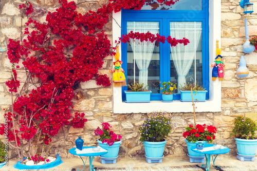 Naklejka premium Piękny zakończenie tradycyjny śródziemnomorski dom.