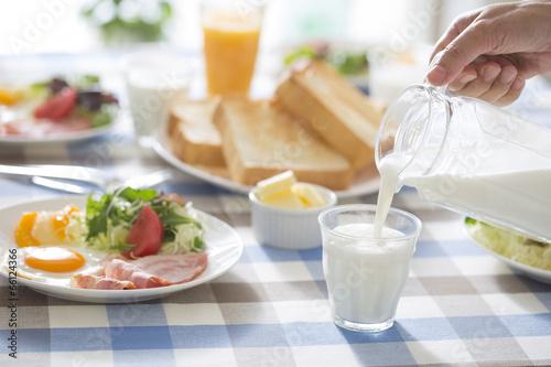 Obraz na plátně 朝食のミルク