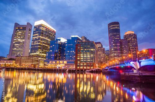 Foto op Plexiglas Chicago Boston Harbor and Financial District at twilight in Boston