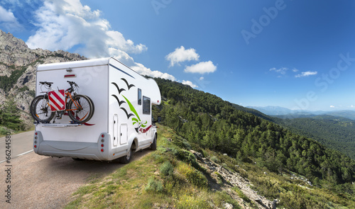 Spoed Foto op Canvas Kamperen Voyage En Camping-Car