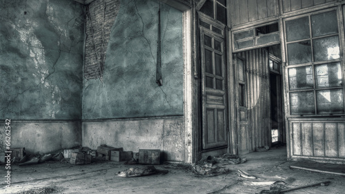 Foto op Canvas Rudnes Old Deserted House