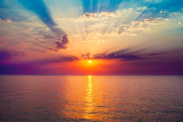 Panel Szklany Wschód / zachód słońca sunrise in the sea