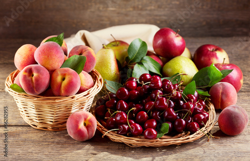 Tuinposter Bier / Cider fresh fruits