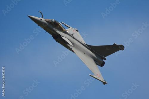 Obraz na plátne  avion de chasse passage  bas 1