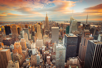 Fototapeta Do salonu Sunset view of New York City looking over midtown Manhattan