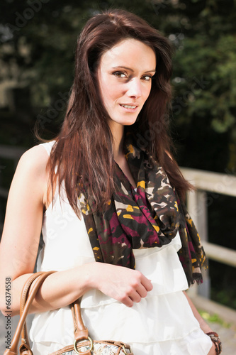 Poster Gypsy Beautiful brunette young woman outdoor
