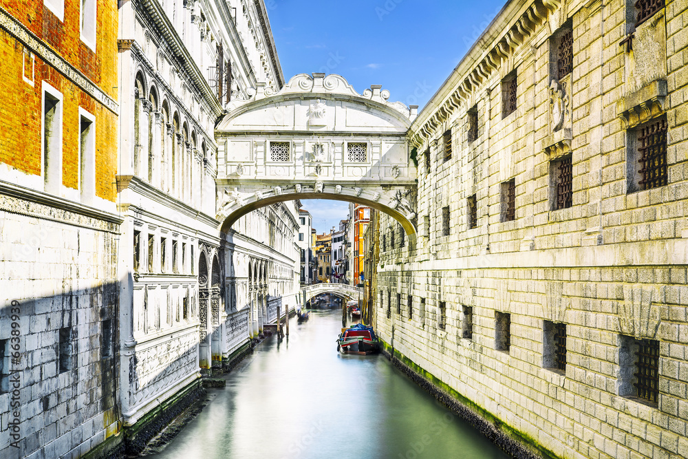 Fototapety, obrazy: Bridge of Sighs in Venice, Italy