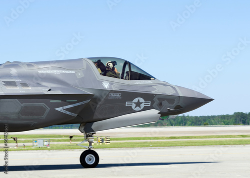 фотография  F-35 Lightning II military aircraft