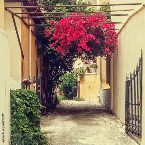 zabytkowe-ulice-greckiego-miasta