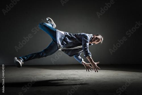 Saut et danseur