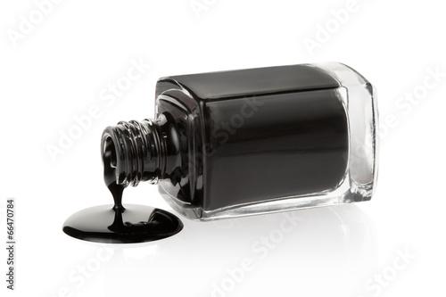Vernis à ongles noir renversé sur blanc, tracé de détourage Tableau sur Toile
