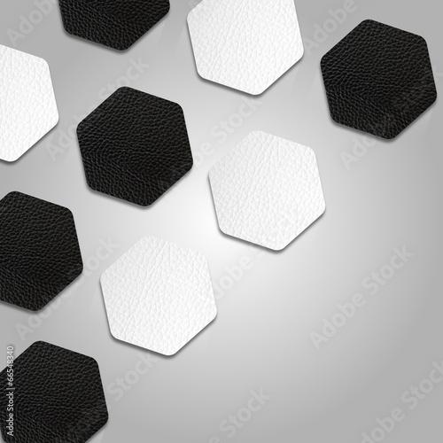 czarno-biala-skorzana-pilka