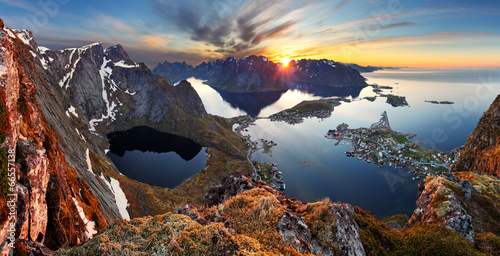 Cadres-photo bureau Scandinavie Nature panorama mountain landscape at sunset, Norway.