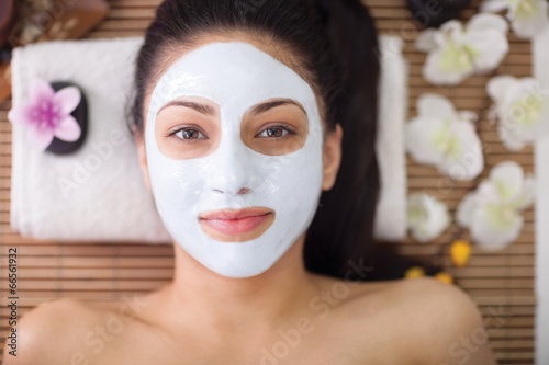 Obraz na plátně  Dospělá žena s kosmetické procedury v lázeňském salonu