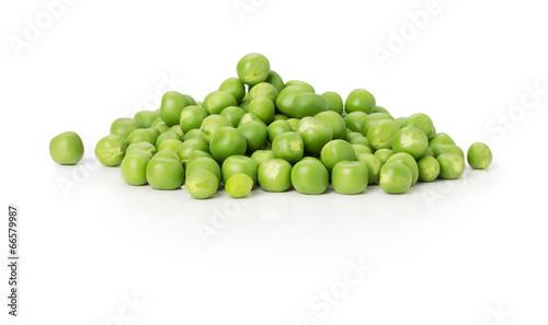 Obraz na płótnie green peas on the white background